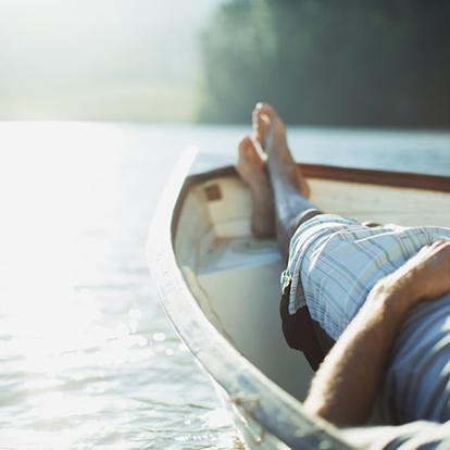 photo de relaxation sur un lac
